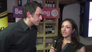ronnie osullivan giving an interview to calvinayre.com at the btc cash event